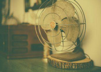Turmventilator reinigen | Worauf Sie beim Säubern von einem Säulenventilator achten sollten