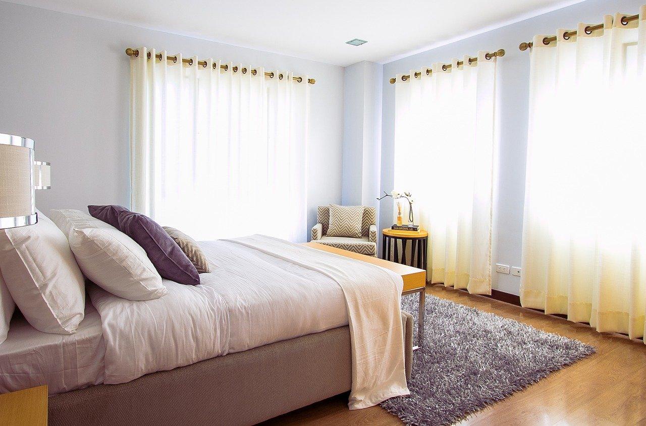 Schlafzimmer Bett Fenster